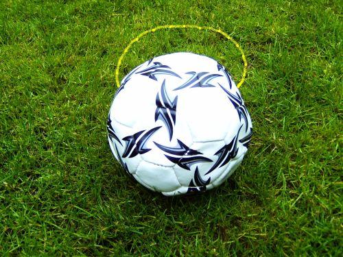 Radler oder Cappuccino? Wer wird heute in der EM 2012 gewinnen? Cappuccino! Das wurde nach 36 Minuten entschieden.